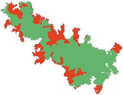 Схема сокращения площади МЛТ, расположенной в Двинско-Пинежском междуречье, за период с лета 2000 года по лето 2016 года (красным обозначены утраченные части, зеленым – сохранившиеся)