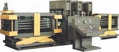 Рис. 10. Пресс гидравлический для склейки дверных полотен Д0337 (производитель – компания «Днепропресс», Украина)