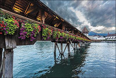 Рис. 1. Мост Капельбрюкке (XIV в.) в швейцарском г. Люцерн