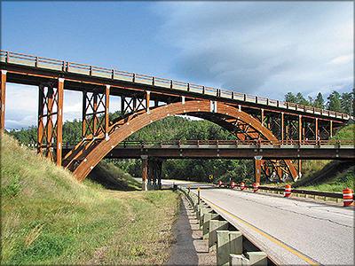 Рис. 3. Мосты Кистоун-Уай в Южной Дакоте, США