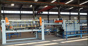 Рис. 13. Линия ребросклеивания шпона производства фирмы Shandong Jinlun Machinery Co., Ltd