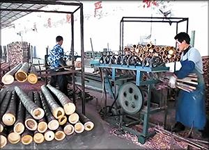 2 – расщепление стеблей бамбука на планки;