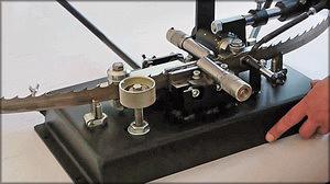Разводной станок для узких ленточных пил АРС -15.1