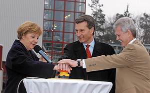 Рис. 3. Биотопливна я установка Wartsila BioРower в Баден-Бадене была торжественно запущена канцлером Ангелой Меркель в марте 2006 года