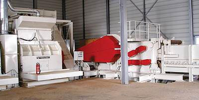 Традиционная многоступенчатая система из приводного измельчителя мощностью 630 кВт и дробилки мощностью 400 кВт