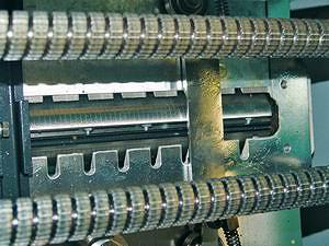 Протяжные ролики и нижняя ножевая головка