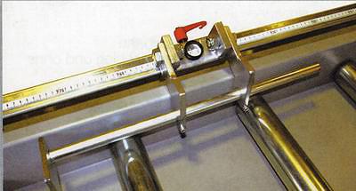 Рис. 2. Откидной упор к системе ЕХАКТ B, осна-щенный лупой для точной настройки
