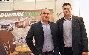 Коломбо Симоне, директор «Дуэмме Трансиати» (слева)