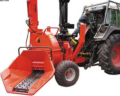 Прицепная рубительная машина с погрузчиком Farmi Forest CH380 + HK4581