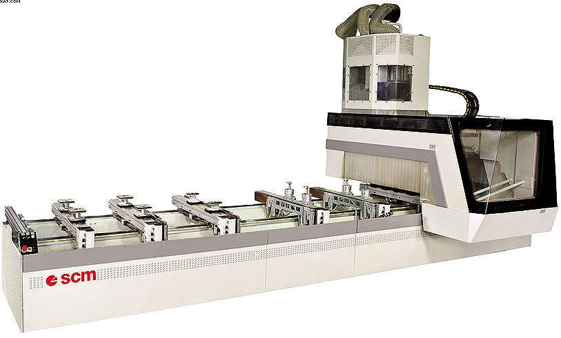 Обрабатывающий центр с основным вертикальным фрезерным шпинделем и неподвижным столом