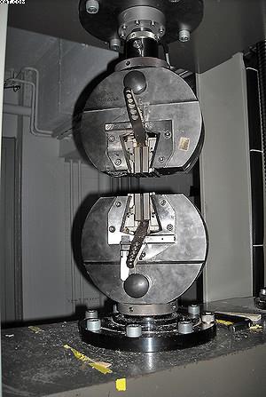 Испытание прочности клеевого соединения на разрывной машине Zwick