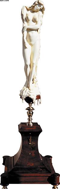 Часы «свеча». Отбеленный самшит, орех. 17 х 55 х 17 см.Собрание художника.