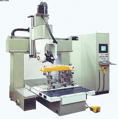 Рис. 5. Обрабатывающий центр для полной механической обработки объемных деталей