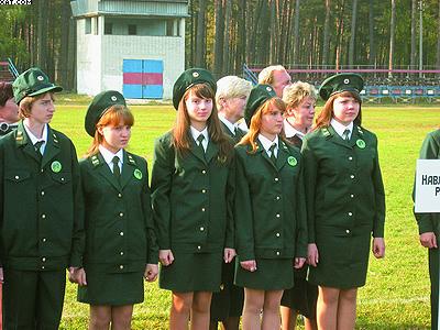 Ученики школьных лесничеств