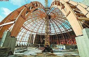 Деревянные клееные конструкции покрытия купола аквапарка в парке «300-летия Санкт-Петербурга»