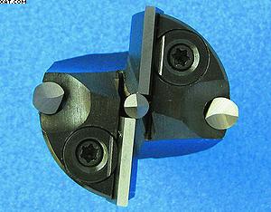 Рис. 2. Универсальное цилиндрическое сверло по дереву с поворотной/неперезатачиваемой режущей пластиной