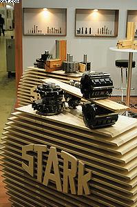 Стенд компании Stark (деревообрабатывающий инструмент)