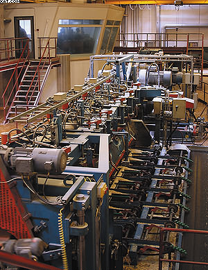 Операторская лесопильного цеха, фрезерный и круглопильный агрегаты лесопильной линии