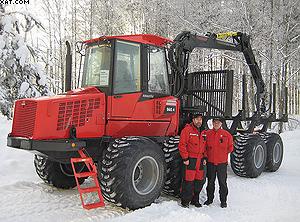 Предпродажная подготовка первого форвардера Komatsu для клиентов в Вологодской области