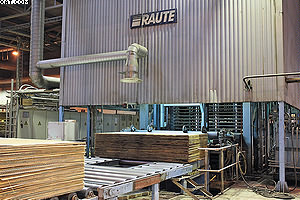 Линия склеивания шпона при изготовлении фанеры на «UPM Чудово»