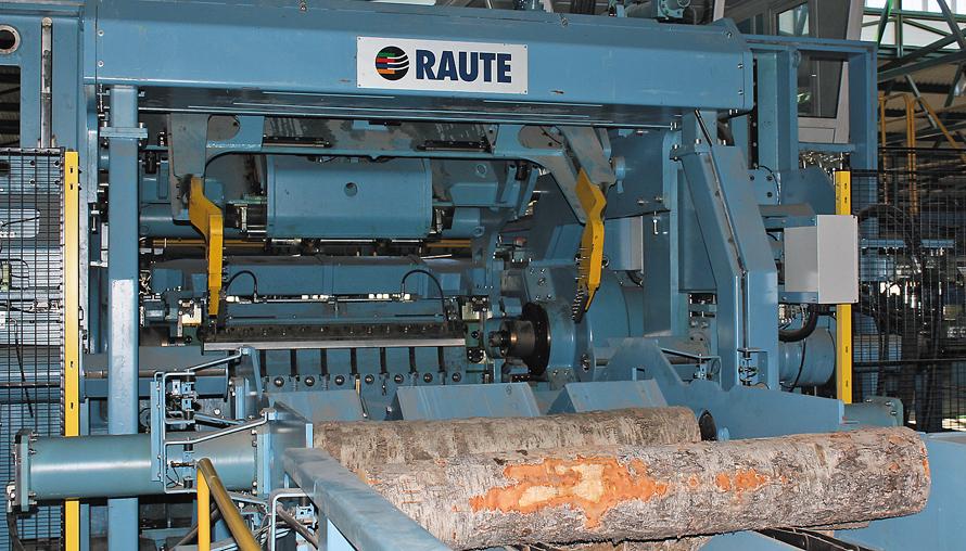 Лущильный станок компании Raute