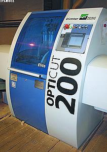 Высокоскоростная торцовочная установка Dimter OptiCut 200 Elite на заводе компании Worch