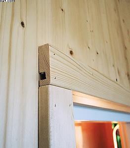Система крепления наличников и доборных элементов для коробок дверей и окон