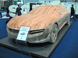 Деревянный суперкар, обработка которого выполнена на станке Routech (SCM Group)
