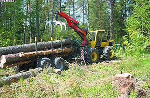 Лесной трактор LKT-82