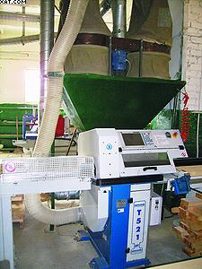 На оборудовании, которое сейчас устанавливается в новом производственном корпусе, будут изготавливать перспективный материал – древесно-полимерный композит