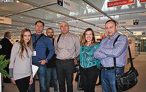 Руководители компаний Free Style (г. Алма-Ата, Казахстан) и SIDAK (г. Санкт-Петербург, Россия) на выставке SICAM-2012