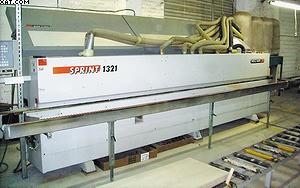 Автоматический прямолинейный кромкооблицовочный станок Sprint 1321 (Holz-Her) обеспечивает высокое качество обработки кромки