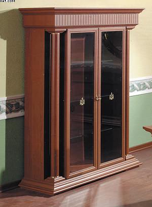 Рис. 3. Шкаф комбинированной конструкции с дверями и стенками рамочно-филенчатой конструкции и рамками из профильного погонажа