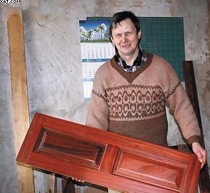 Александр Кутузов, мастер-краснодеревщик