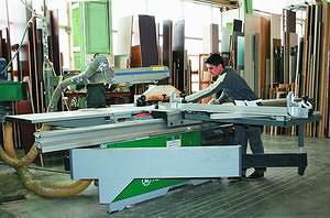 Форматно-раскроечный станок Altendorf F 45 на мебельной фабрике Mr.Doors