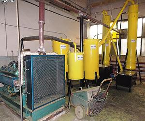 Часть электрогазогенераторной ТЭС (завод «Интерреммаш»): двигатель/электрогенератор и блок очистки синтез-газа (циклон, ресивер-охладитель, скруббер и электрофильтр)