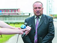 Министр экономического развития Карелии Валентин Чмиль верит в то, что дела у завода пойдут на лад