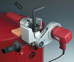 Рис. 8. Устройство для производства пробок-лодочек Lamello Patchmaker (Швейцария)