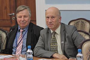 Симо Пиипиринен, коммерческий директор компании Finnlamelli; Сеппо Макинен, генеральный директор CTS Engtec St. Petersburg
