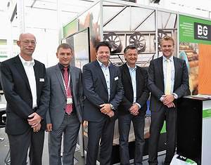 Гуннар Шнайдер (инженер HDS-Group GmbH), Григорий Белоусов (генеральный директор BG Holztechnik), Андреас Хиндрихс (директор HDS-Group GmbH), Петер Кеель (экспорт-менеджер Pawert-SPMAG), Алвин Баарслаг (экспорт-менеджер Europe Forestry VOF)