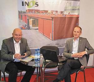 Арнис Адаковскис (генеральный директор компании «ИНОС», представитель компании Agro Forst & Energietechnik GmbH), Арнис Зивертс (директор по продажам сушильных камер на российском рынке)