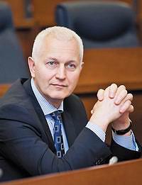 Владимир НиколаевичПетров